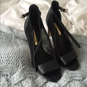 BCBG Generation black heels
